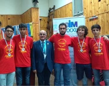 Educación apoyará las Olimpiadas Científicas y financiará los premios de este curso