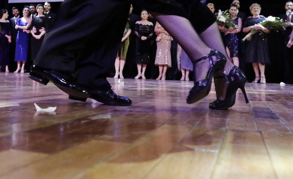 El Tango Pista consiste en representar el estilo más popular de la tradicional danza rioplatense. Los argentinos Jose Salvo y Carla Natalia Rossi se impusieron entre las 40 parejas de finalistas en esta categoría.