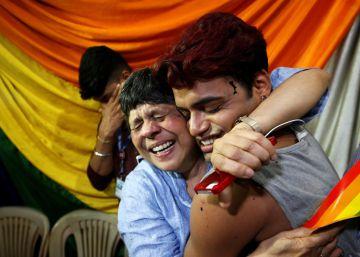 India legaliza las relaciones homosexuales