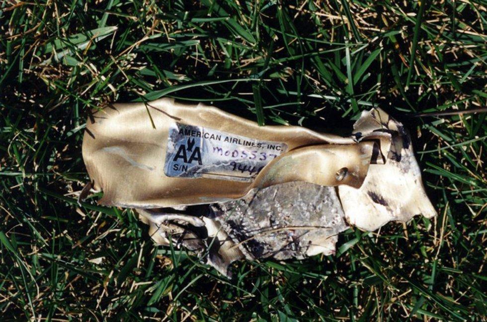 Resti di volo American Airlines 77 che hanno colpito la struttura del Pentagono dopo essere stato rapito da cinque terroristi sauditi poco dopo aver lasciato il 11 settembre 2001 Dulles International Airport di Washington.