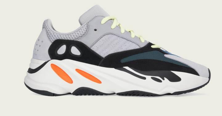 e522f242e3989 Yeezy 700 Wave Runner  Conseguir las nuevas zapatillas de Kanye West es  casi tan difícil como ganar la lotería
