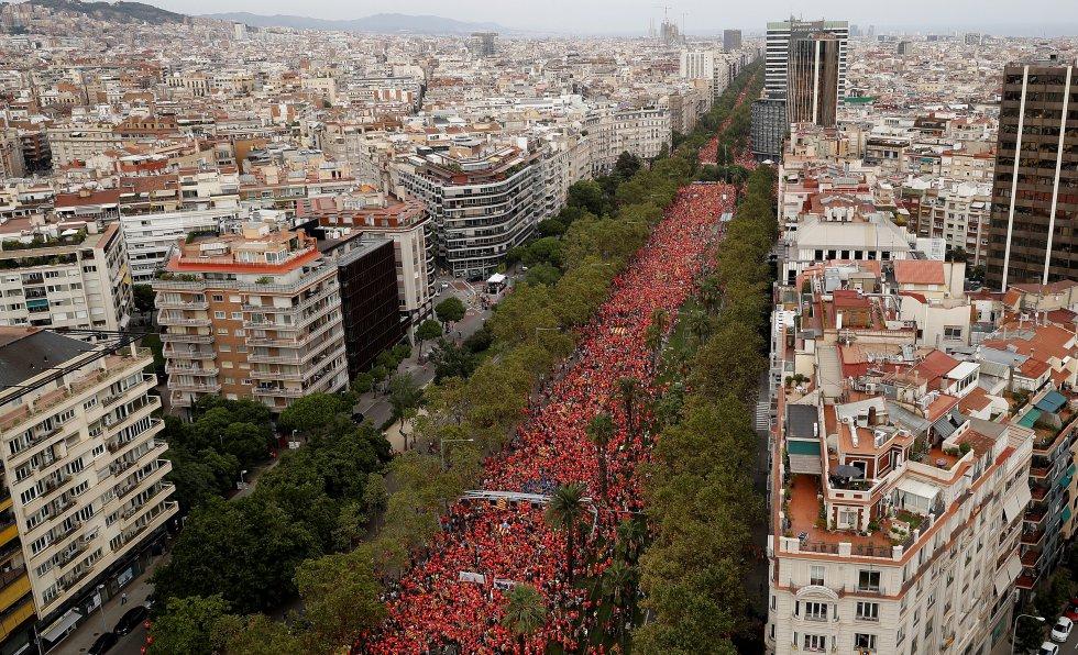 Vista general de la Diagonal de Barcelona durante la manifestación independentista.