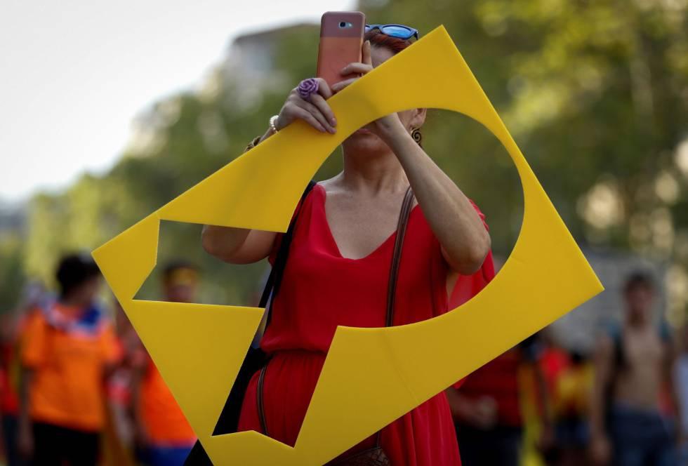 Lazo amarillo durante la manifestación independentista.