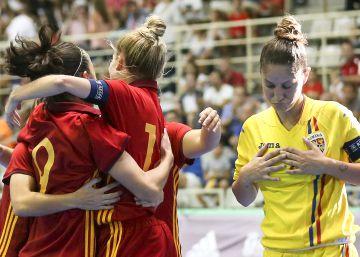 Fútbol sala femenino: el España - Rumanía, en imágenes