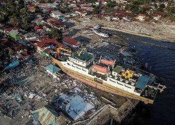 El terremoto y el tsunami de Indonesia, en imágenes
