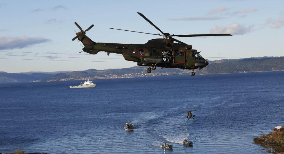 Despliegue militar por mar y aire de las fuerzas de la OTAN durante las maniobras.