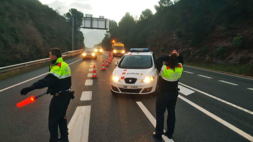 Como consecuencia del accidente, la circulación de trenes fue suspendida entre Manresa y Terrassa. El resto de las líneas estaban afectadas con retrasos de treinta minutos.