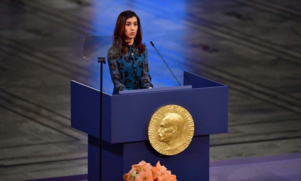 """Nadia Murad, activista iraquí, Nobel de la Paz 2018, pronuncia su discurso tras hacer recibido el galardón. """"Mi supervivencia se basa en defender a las víctimas de violencia sexual"""", expresó la activista de 25 años."""