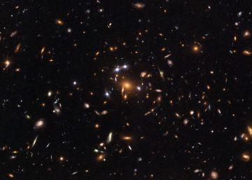 Un controvertido modelo promete solucionar el misterio de la materia oscura