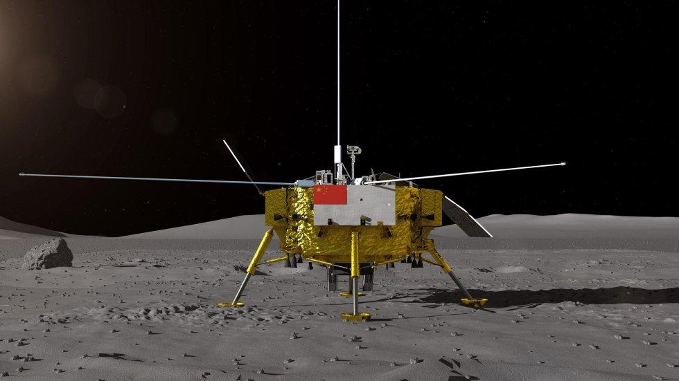 El éxito del alunizaje, que no se anunció de forma oficial hasta aproximadamente dos horas después de haberse producido, supone un hito más para el ambicioso programa espacial del país asiático, aún lejos del de Estados Unidos en financiación pero convertido en una prioridad absoluta para las autoridades. En la imagen, recreación de la nave 'Chang'e-4' en la Luna facilitada por el Centro de Ingeniería Espacial y Exploración Lunar de la Administración Nacional Espacial de China.