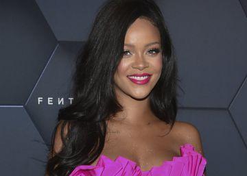 Rihanna demanda a su padre por utilizar su nombre para hacer negocio