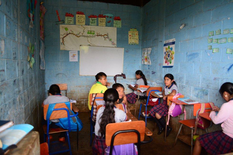 Aula de la escuela de Caserío Almolonga, en San José.