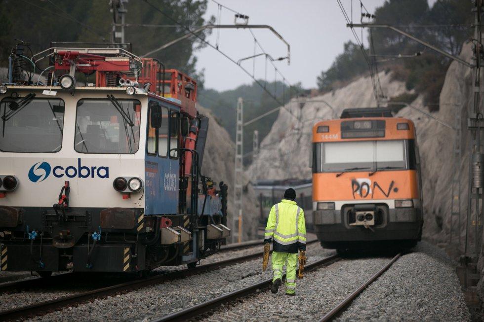 A causa de accidente, el servicio de Tráfico cortó la C-55 entre Sant Vicenç de Castellet y Manresa en ambos sentidos y se desvió el tráfico hacia la C-16, donde se abrieron las barreras del peaje para facilitar la circulación.