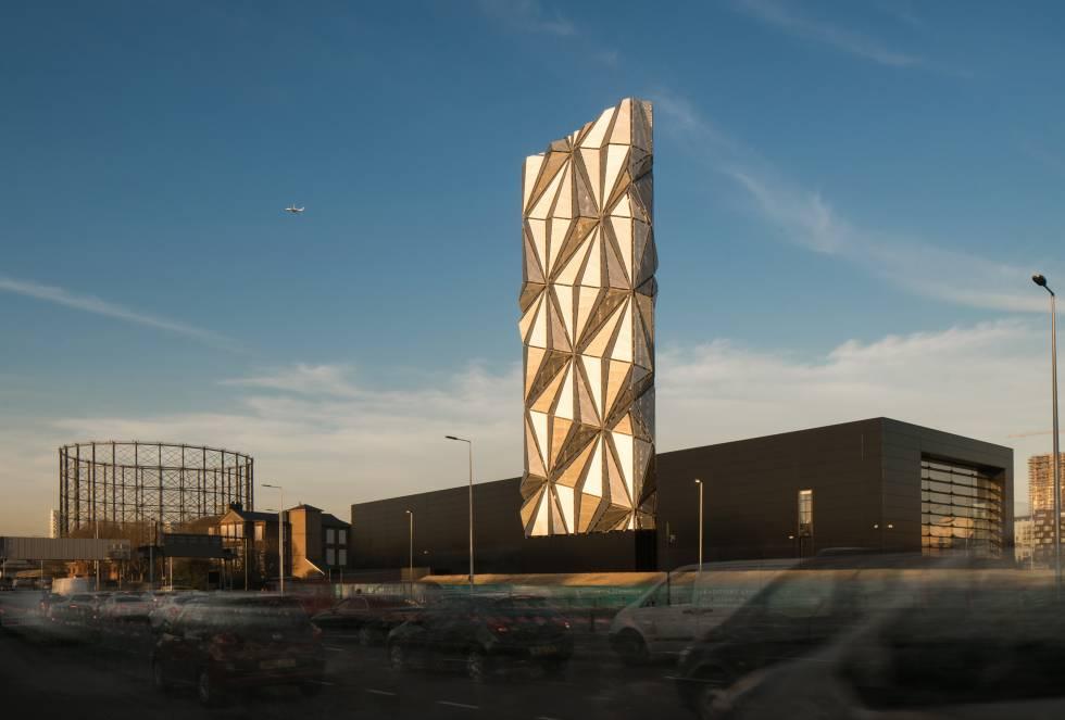 Conseguir energia sustentável e acessível é o objetivo deste edifício coroado por uma torre de 49 metros de altura. O Greenwich Peninsula Low Carbon Energy Centre não apenas visa gerar essa energia, mas também incorpora um centro de visitantes para conscientizar quem quiser se aproximar de uma das áreas de maior desenvolvimento urbano de Londres.