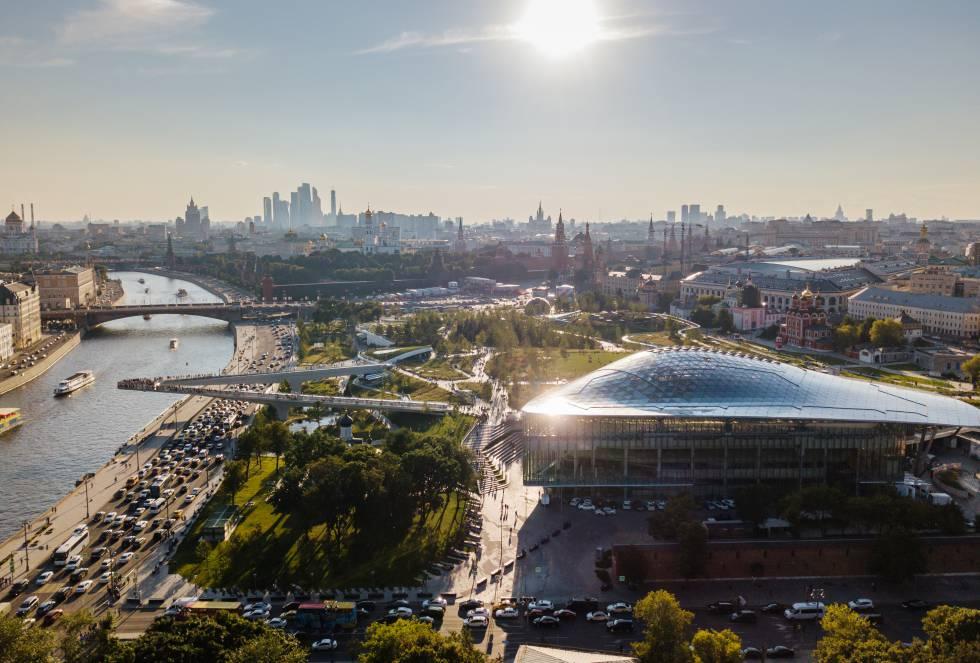 O Parque Zaryadye, em Moscou (Rússia), recebeu a menção especial do júri. Seus dez hectares visam revitalizar o coração da capital russa com dois anfiteatros, áreas educacionais, pavilhões de entretenimento e edifícios históricos restaurados.