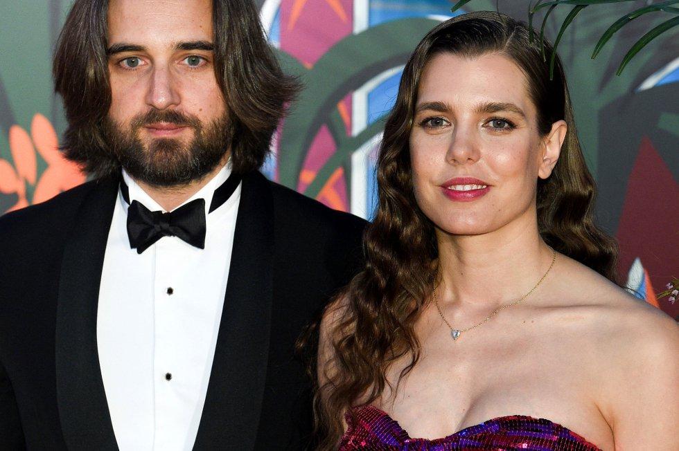 Dimitri Rassam y Carlota Casiraghi se dejaron ver el público acallando rumores sobre su relación.
