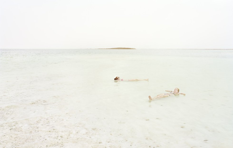 Desfrutando o Mar Morto.