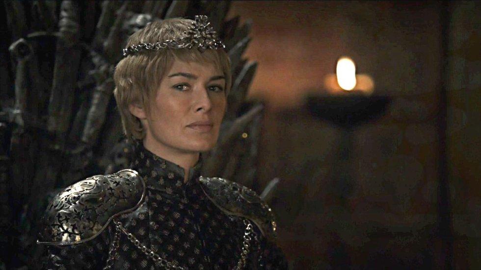 """Muitos disseram que 'Game of Thrones' é uma série feminista. Empodera personagens como Cersei, Sansa, Brienne, Daenerys ou Arya e as constrói de maneiras que desenvolvem personalidades opostas (e da mesma forma que a série tem sido criticada por não contratar mulheres roteiristas e diretores há anos). Ao substituir seu filho Tommen, Cersei é a primeira rainha na história do Trono de Ferro que estreou com Aegon I """"O Conquistador"""". Talvez seja a hora de acabar com o patriarcado estabelecido em Westeros, ainda que cada uma das mulheres o fizesse a sua própria maneira."""