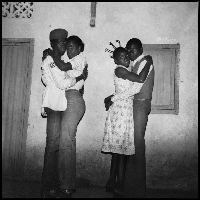Dois casais dançando, 1979