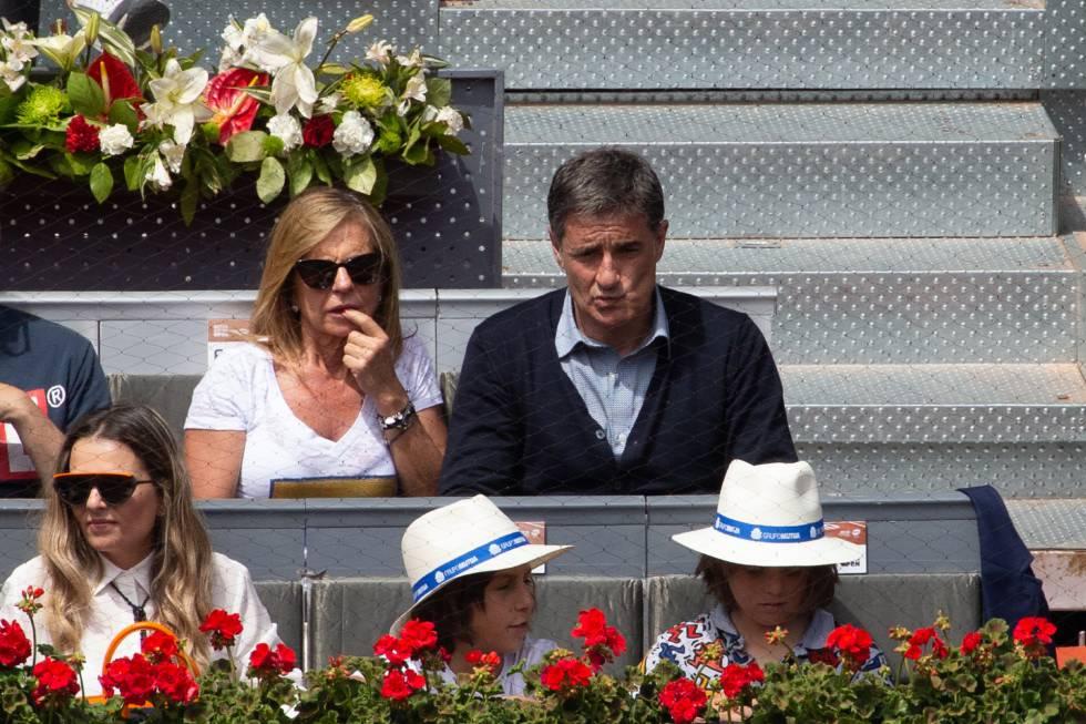 Michel y su esposa, en la Caja Mágica.