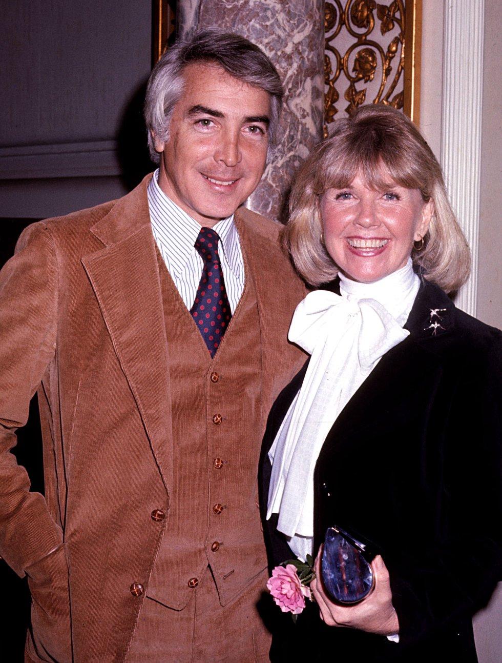 Doris Day y su marido Barry Comden en el Hotel Pierre de Nueva York, en 1976.