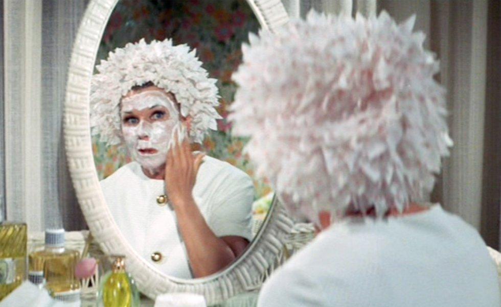 rnDoris Day en la película 'Hay un hombre en el lecho de mamá' dirigida por Howard Morris, en 1968.