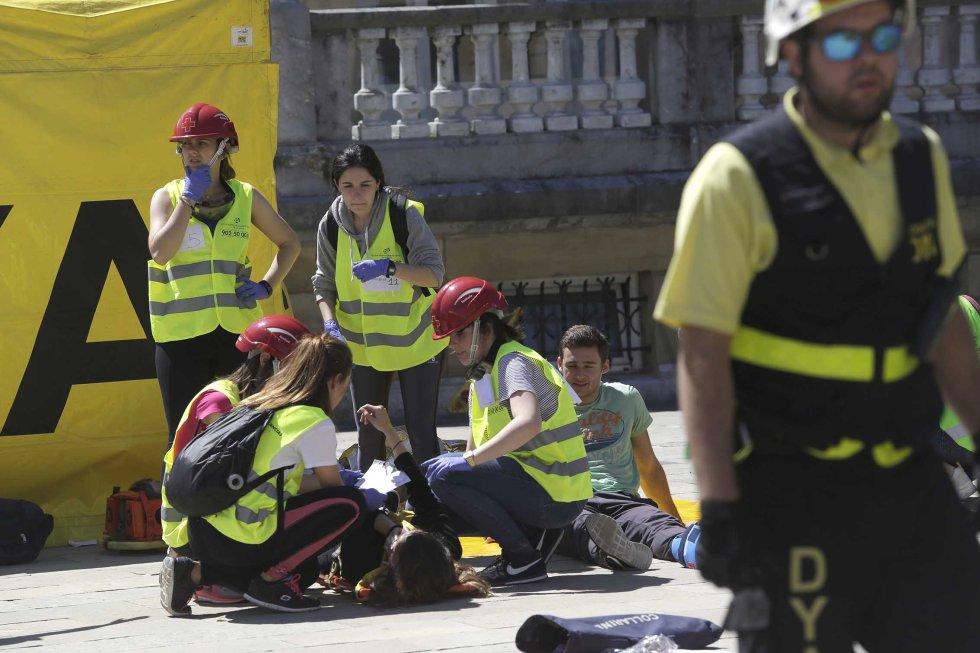 El simulacro ha permitido trabajar en la práctica la coordinación y actuación de los diferentes organismos y equipos que intervienen en una situación de emergencia.