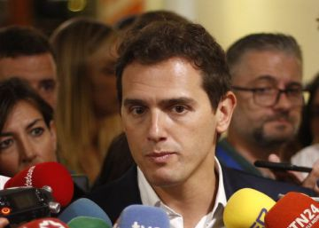 Vox sends out personal insults to Ciudadanos chief via Twitter