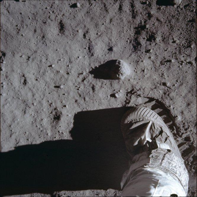 Vista de la huella dejada por Buzz Aldrin en la superficie de la Luna durante la misión del 'Apolo 11', el 20 de julio de 1969.