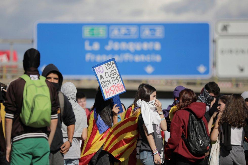 Los independentistas catalanes retoman las manifestaciones, en imágenes 1571152266_965287_1571152523_album_normal