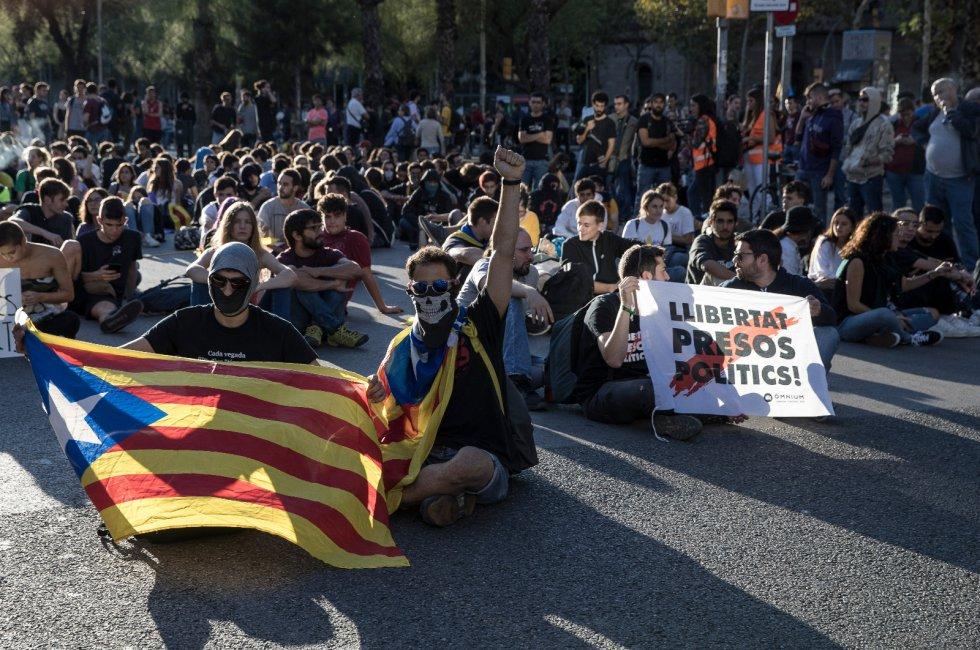 Los independentistas catalanes retoman las manifestaciones, en imágenes 1571152266_965287_1571157064_album_normal