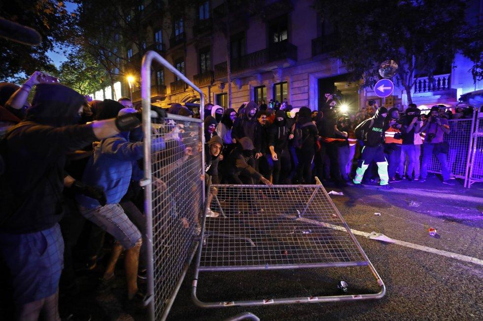 Los independentistas catalanes retoman las manifestaciones, en imágenes 1571152266_965287_1571162765_album_normal