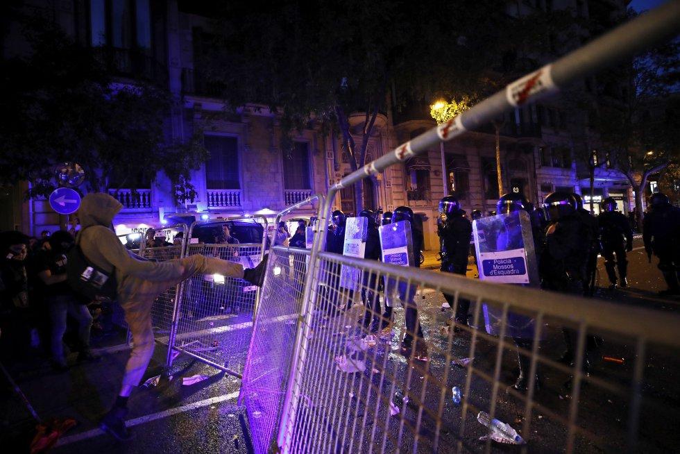 Los independentistas catalanes retoman las manifestaciones, en imágenes 1571152266_965287_1571162767_album_normal