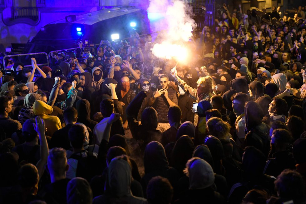 Los independentistas catalanes retoman las manifestaciones, en imágenes 1571152266_965287_1571162769_album_normal