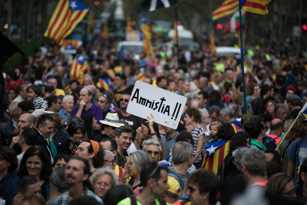 Un momento de la manifestación de Barcelona, a la que la Guardia Urbana calcula que han acudido unas 525.000 personas.