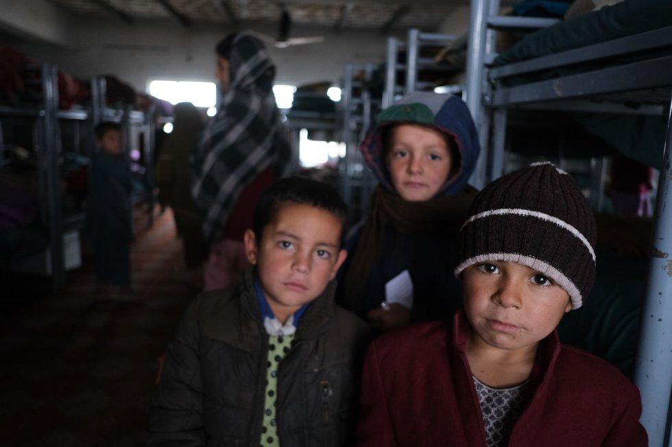 Entre 2009 y 2018, cerca de 6.500 niños fueron asesinados y otros 15.000 resultaron heridos, haciendo de Afganistán una de las zonas de guerra más letales del mundo en 2018. Un grupo de niños en un dormitorio del orfanato Shaheed Abdul Ahad Khan Karzai, en la ciudad de Kandahar. Hay al menos 180 niños de entre seis y 18 años que viven allí.