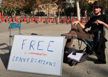 Barcelona man reclaims art of the small talk through free street conversations