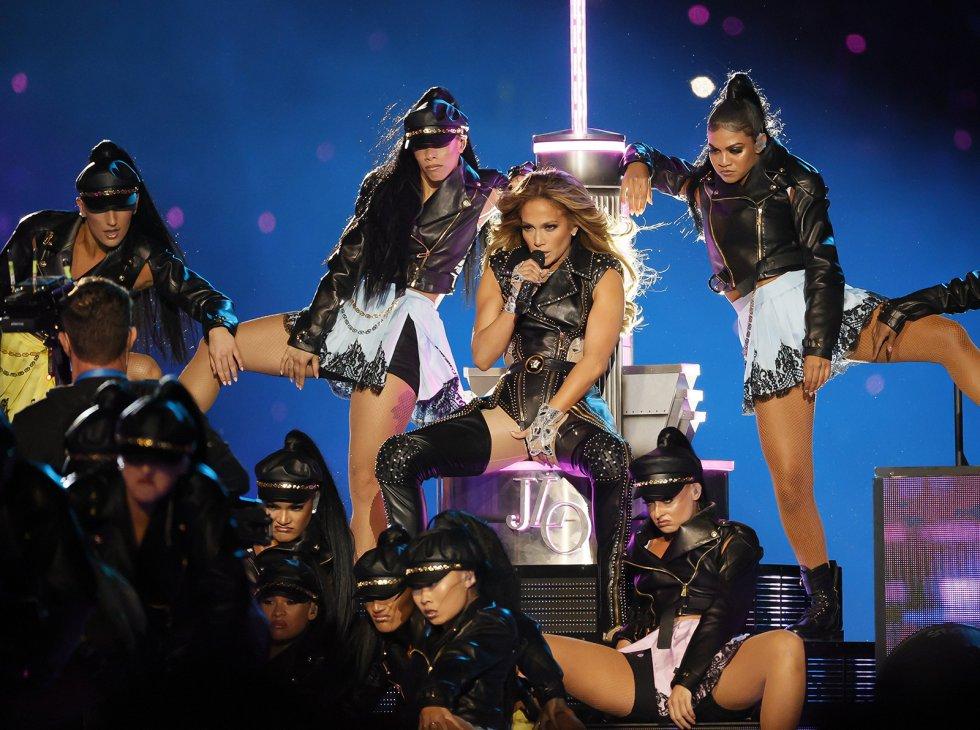 Jennifer Lopez, en el centro del Hard Rock Stadium.