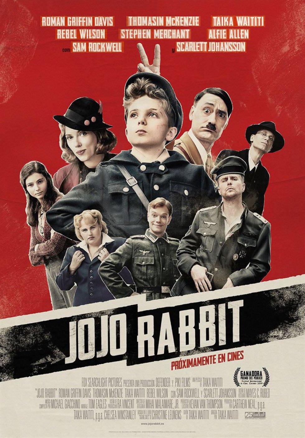 Jojo Betzler, interpretado por Roman Griffin Davis, es un solitario chico alemán que pertenece a las juventudes hitlerianas en 'Jojo Rabbit'. Una película basada en la novela de Christine Leunens, que dirige el también actor Taika Waititi, que encarna al amigo imaginario muy especial del protagonista.