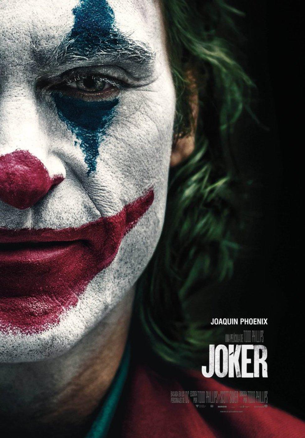 'Joker' narra la vida de Arthur Fleck, personaje que interpreta Joaquin Phoenix, un hombre con problemas psiquiátricos que acabará convertido en uno de los grandes villanos de D. C. Una obra muy alejada de las películas de superhéroes al uso.