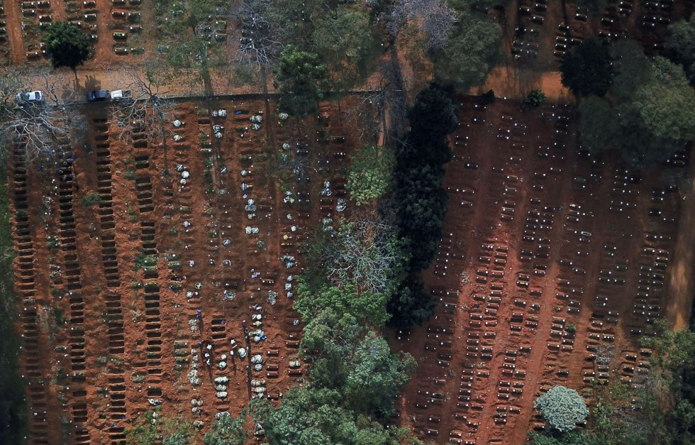 Image made with a drone of the Vila Formosa cemetery in São Paulo (Brazil) where open and closed tombs can be seen during the pandemic. Throughout Latin America, more than 37,500 people have died and some 681,000 covid-19 infections have been registered.
