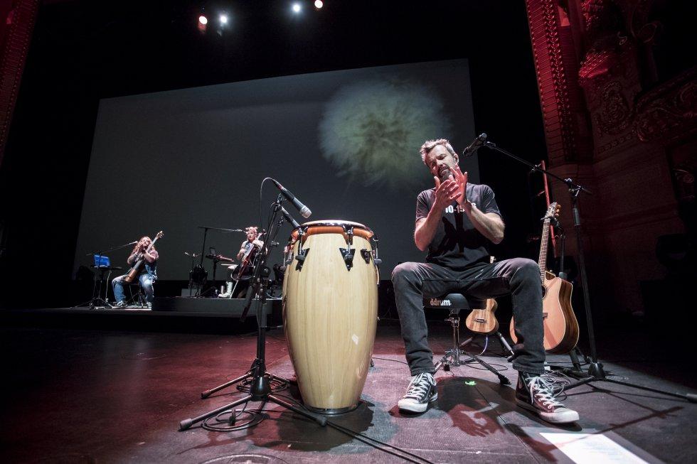 Prueba de sonido antes del concierto del grupo Jarabe de Palo en el Gran Teatre del Liceu de Barcelona en 2017.