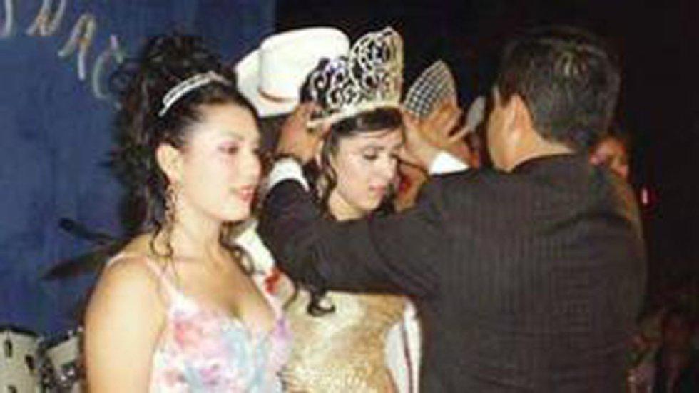 Emma Coronel fue nombrada reina de belleza durante un evento en el año 2006, en Durango, México.