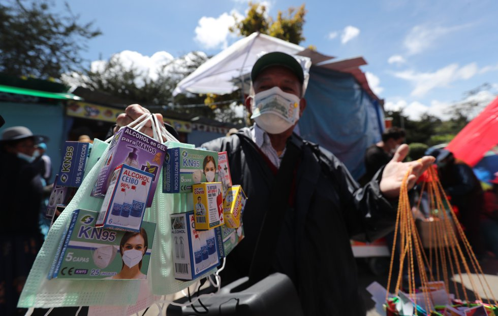 Este año se caracterizó por la venta de productos sanitarios miniatura, como cubrebocas, alcohol y gel antibacterial para la prevención de contagios de la covid-19.