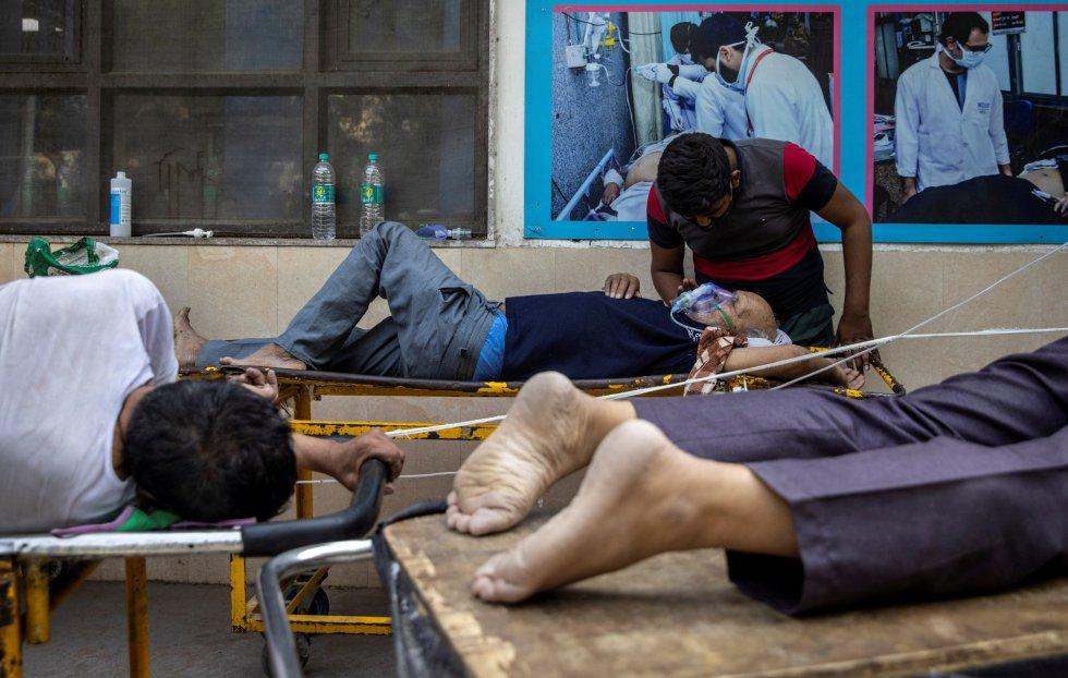 India entra en caos hospitalario tras la segunda ola de Covid