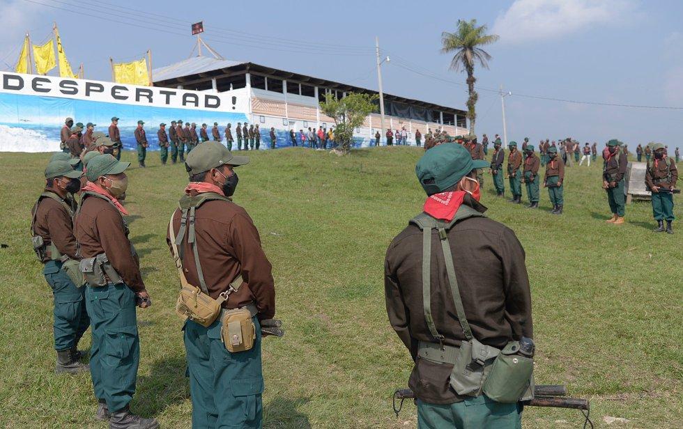 """Los voluntarios que se postularon para viajar eran """"más de 20″, de acuerdo con la organización, pero solo siete contaban con pasaporte."""