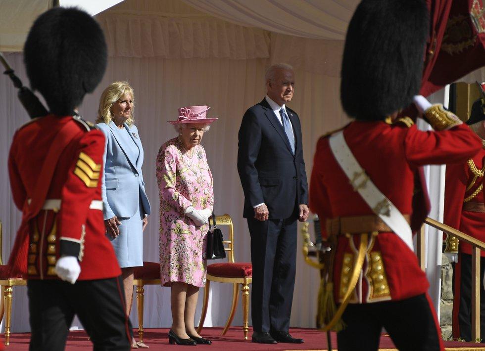 Fotos: Isabel II toma el té con Biden y otras anécdotas de la monarca con  los presidentes de EE UU | Gente y Famosos | EL PAÍS