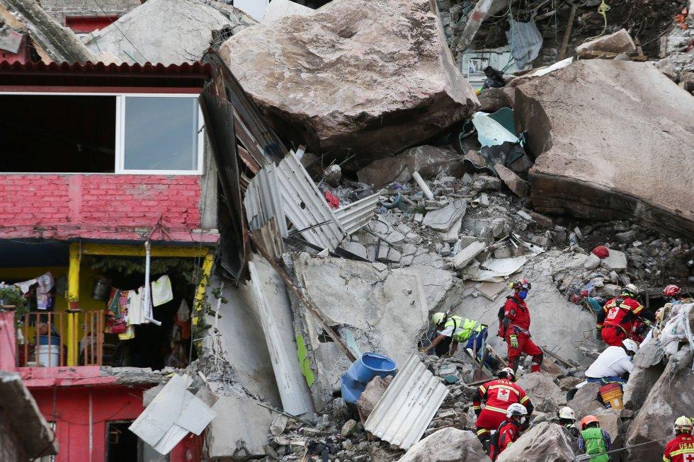 El Gobierno del municipio ha urgido a la población evitar la zona para no dificultar la tarea de los equipos de rescate.