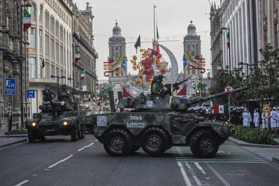 México retoma el desfile militar