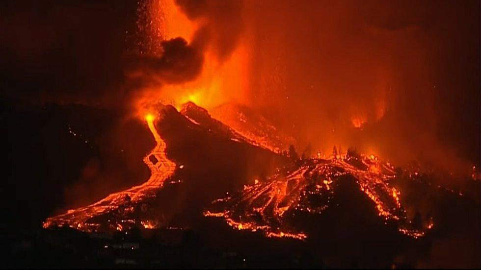 El nuevo volcán de La Palma ha entrado en erupción este domingo a las 15.12 en Montaña Rajada, en el municipio de El Paso.